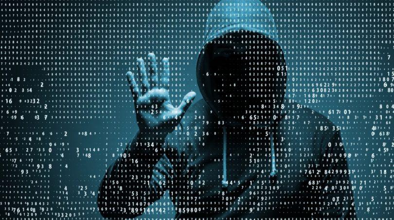 नोएडा एसटीएफ ने 200 करोड़ की ठगी करने वाले आरोपी को किया गिरफ्तार , महत्वपूर्ण दस्तावेज किए बरामद