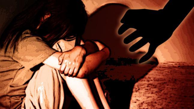 नोएडा में दो नाबालिग बच्चियों समेत एक महिला के साथ हुआ बलात्कार , आरोपी फरार